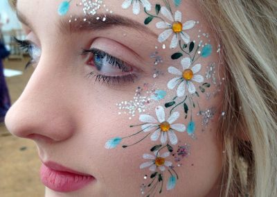 Daisies with jewels